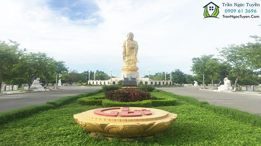Tượng Phật A Di Đà cao 25m